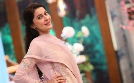 Shaista Lodhi Is Happy To Be Among Friends