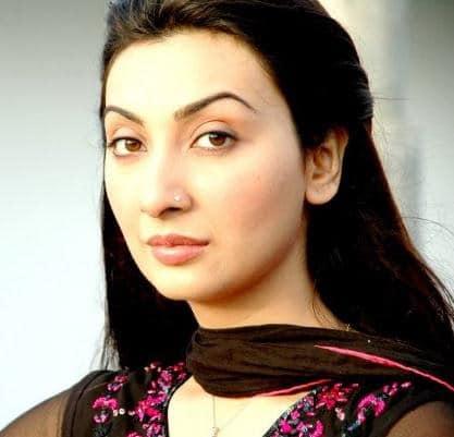aysha khan2