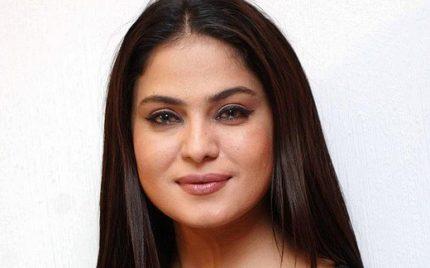 Veena Malik Defends Her Past Decisions