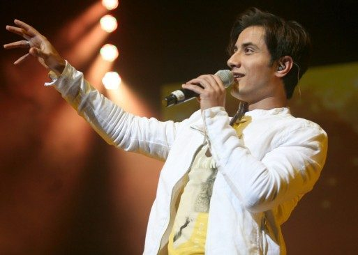 Ali-Zafar-Live-in-Atlantic-City-Along-With-Sunidhi-Chauhan-4-1280x914