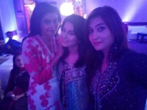 Amber-Khan-Daughter-Wedding-5-600x450