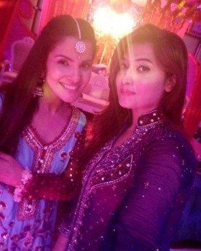 Amber-Khan-Daughter-Wedding-6-600x750