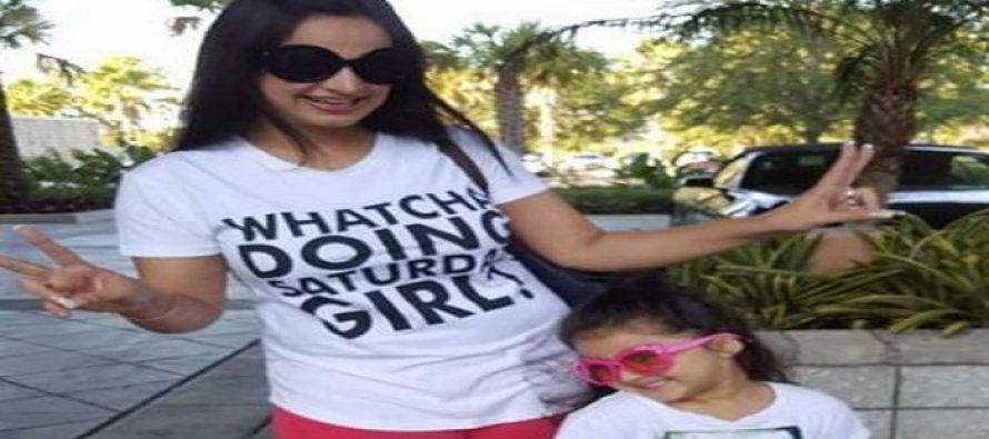 Noor Bukhari in USA with her Daughter