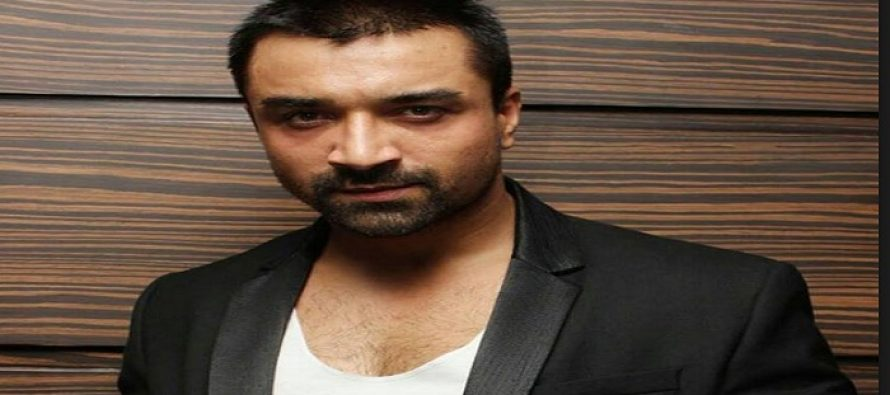 Ex-Big Boss Contestanant Aijaz Khan Bashing Fawad Khan and Mahira Khan in an Interview.