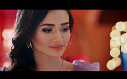 "Atif Aslam Song ""Kher Mangda"" Official Video featuring Beautiful Sana Javed"