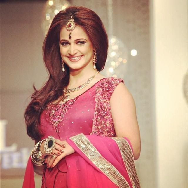 noor-bukhari-in-bridle-dress