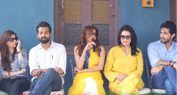 Pictures of the Press Conference of the Film Rangreza