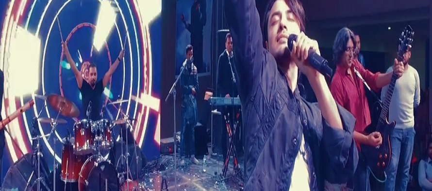 Ali Zafar taking The Mannequin Challenge to a whole new level