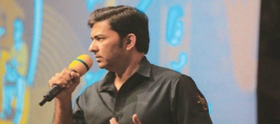 """In today's age, we need 'smart artists' "", says Sajjad Ali"