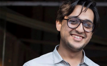 Super Talent Syed Shafaat Ali Mimicked 24 singers in his latest video!