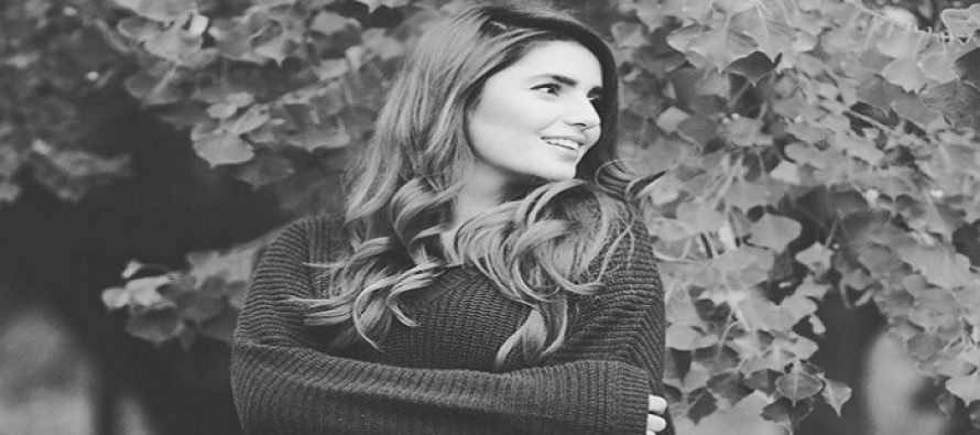 Momina Mustehsan – Biography, Age, Coke Studio, Engagement, Soundtracks