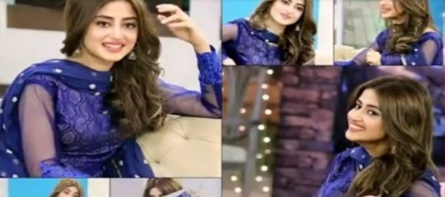 12 Pakistani Actresses Who Slayed In Blue