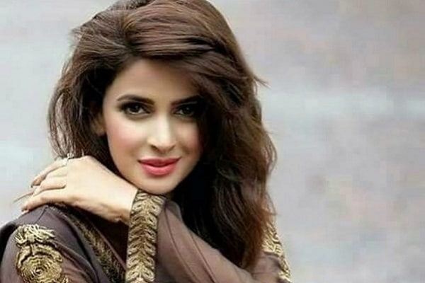 Saba Qamar – Biography, Age, Family, Education, Controversy, Dramas