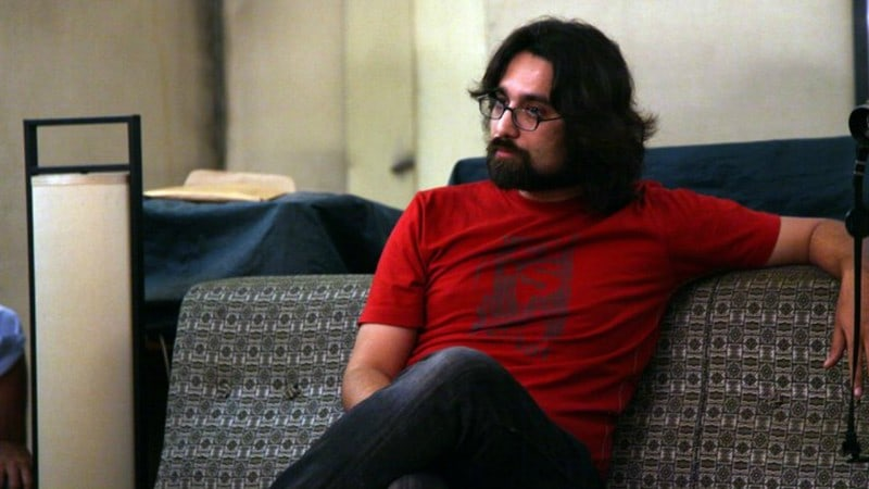 Ali Noor Stripped Down Is The New Talk Of The Town!