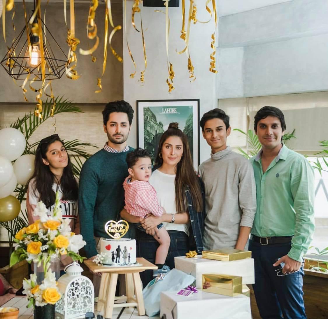 Ayeza Khan family2