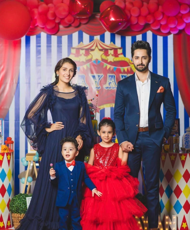 Ayeza Khan family4