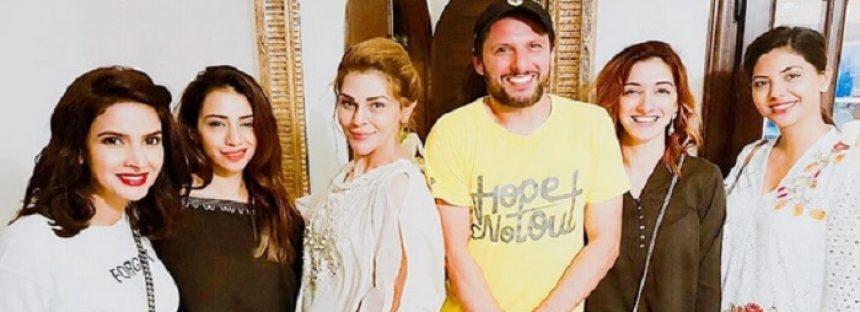 Sana Bucha Puts Shahid Afridi In An Awkward Position