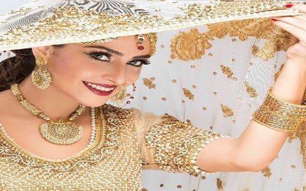 Ayeza Khan – Biography, Son, Husband, Daughter, Dramas, Education