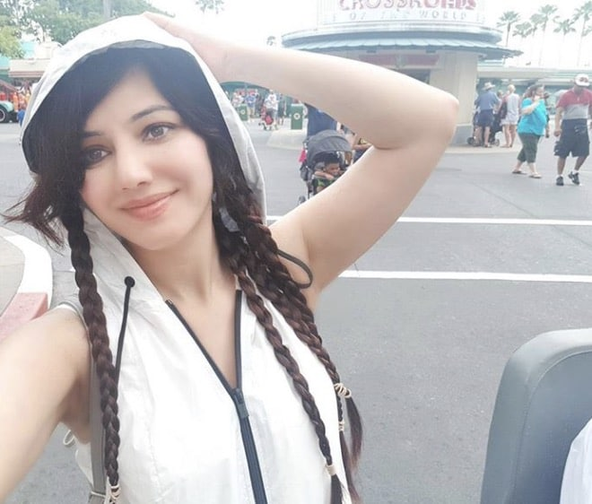 Rabi Pirzada Promotes Her Movie In USA