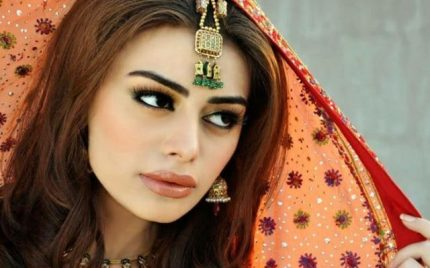 Bollywood Claims That Sadaf Kanwal Is Better Than Mahira & Saba