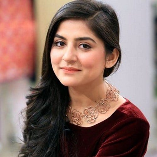 Sanam Baloch Shares Her Beauty Secrets! | Reviewit.pk