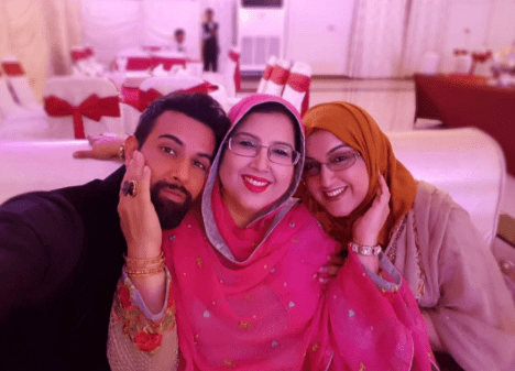Noor Hassan's Latest Clicks With His Family