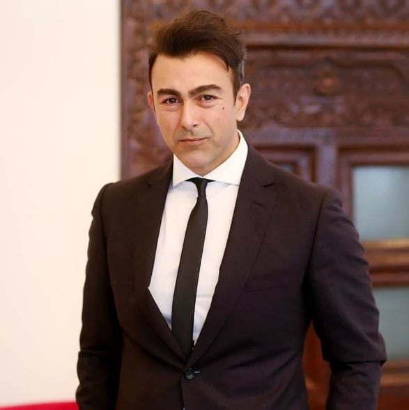 Shaan Shahid – Biography, Age, Real Name, Family, Films, Pictures