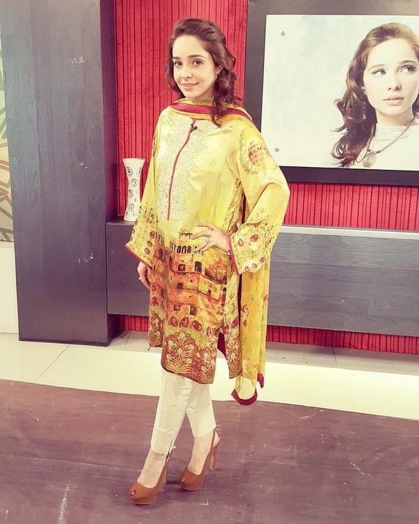 Sajal Ali Ranks Pakistani Morning Show Hosts!