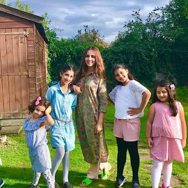Nimra Khan On Vacations With Family In London