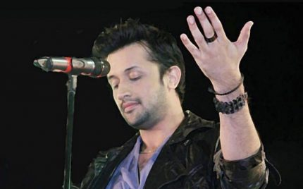 Atif Aslam Sings In Bengali