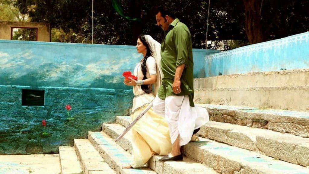 Humaima Malick All Praises For Vinod Khanna & Sanjay Dutt