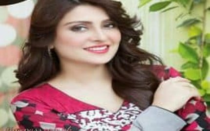 How Does Ayeza Khan Look Without Make-up?