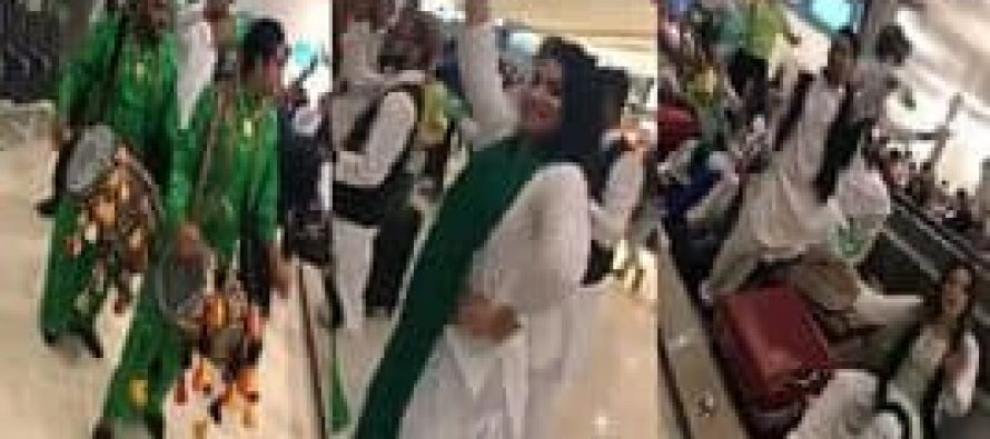 How Pakistanis Celebrated Independence Day at Abu Dhabi Airport?