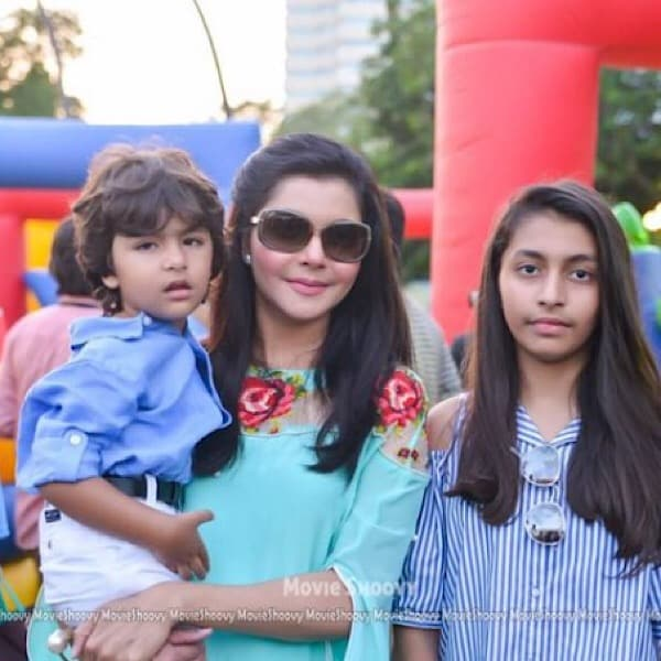 Nida Yasir And Her Kids Looking Gorgeous In These New Pictures