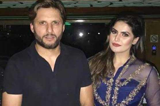 Zareen Khan Fangirls Over Shahid Khan Afridi