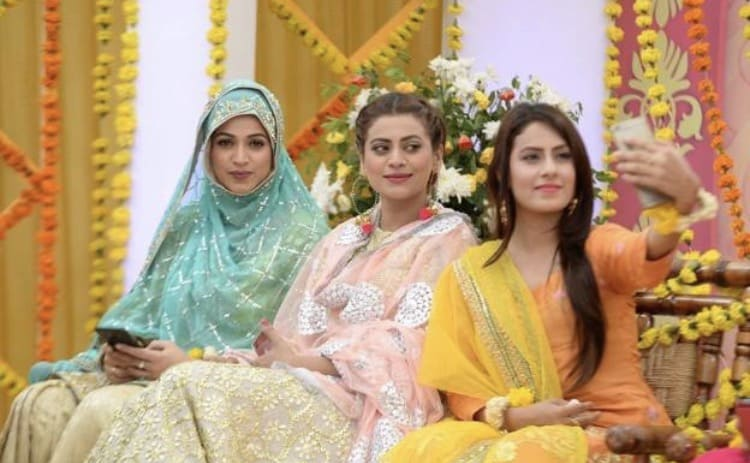 Noor Comes To Morning Show In Hijab !!
