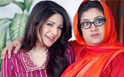 "Ayesha Omer And Hina Dilpazeer Join ""Saat Din Mohabbat In"""