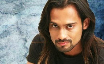 Waqar Zaka Accuses Sharmeen and Shoaib of Cashing Pakistan's Bad Image