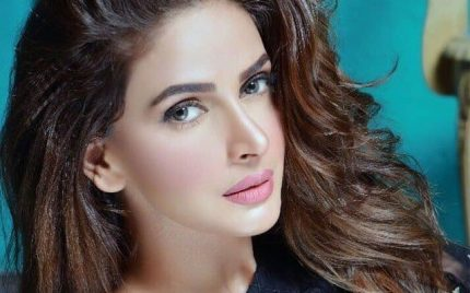 Saba Qamar Nominated For Filmfare Award!