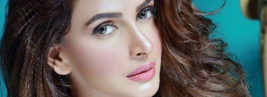 Saba Qamar Nominated For Filmfare Award!
