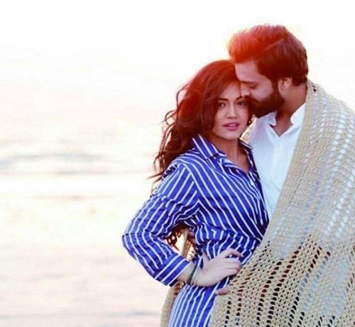 It Is There First Shoot Together After The Wedding They Look Very Much In Love And A Casual On Beach Here Are Pictures