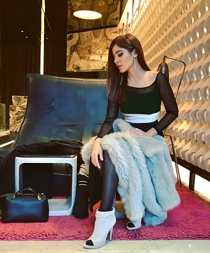 Ayesha Omar Hangs Out With International Models!