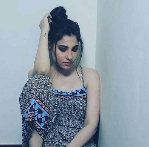 Hina Altaf Gets Backlash On Latest Photo-shoot!