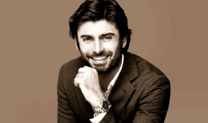 """""""I want to make a film with Fawad Khan"""" Says Indian Film Maker Shonali Bose"""