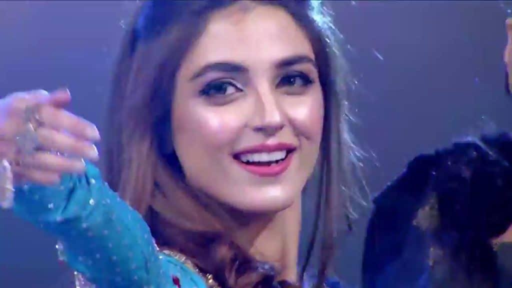 Maya Ali Replaces Mahira Khan In Asim Raza's Next!