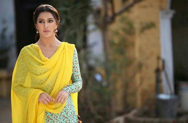Celebrities React To Fahad Mustafa's Look For Load Wedding!