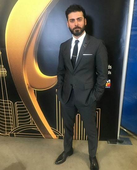 Celebrities Dazzle At Hum Awards 2018!