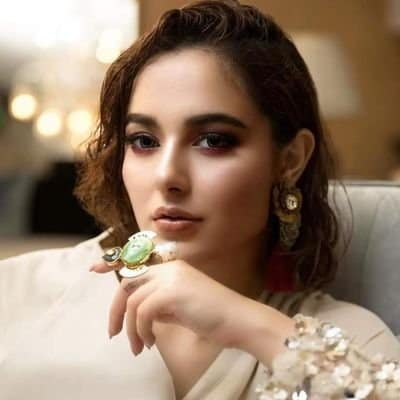 Hania Amir Accused Of Misbehaviour During PHJ Promotions!
