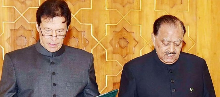 Celebrities Welcome PM Imran Khan!