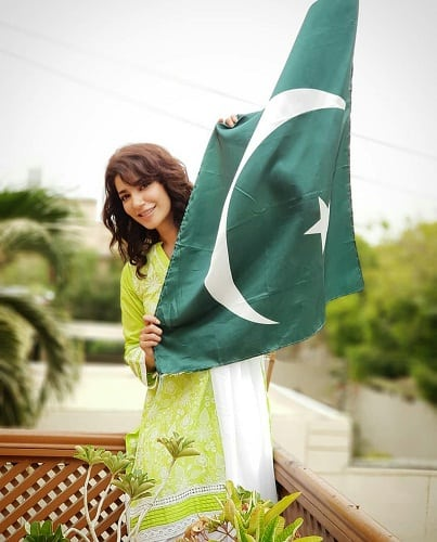 Celebrities Celebrate Independence Day With Zeal And Passion!